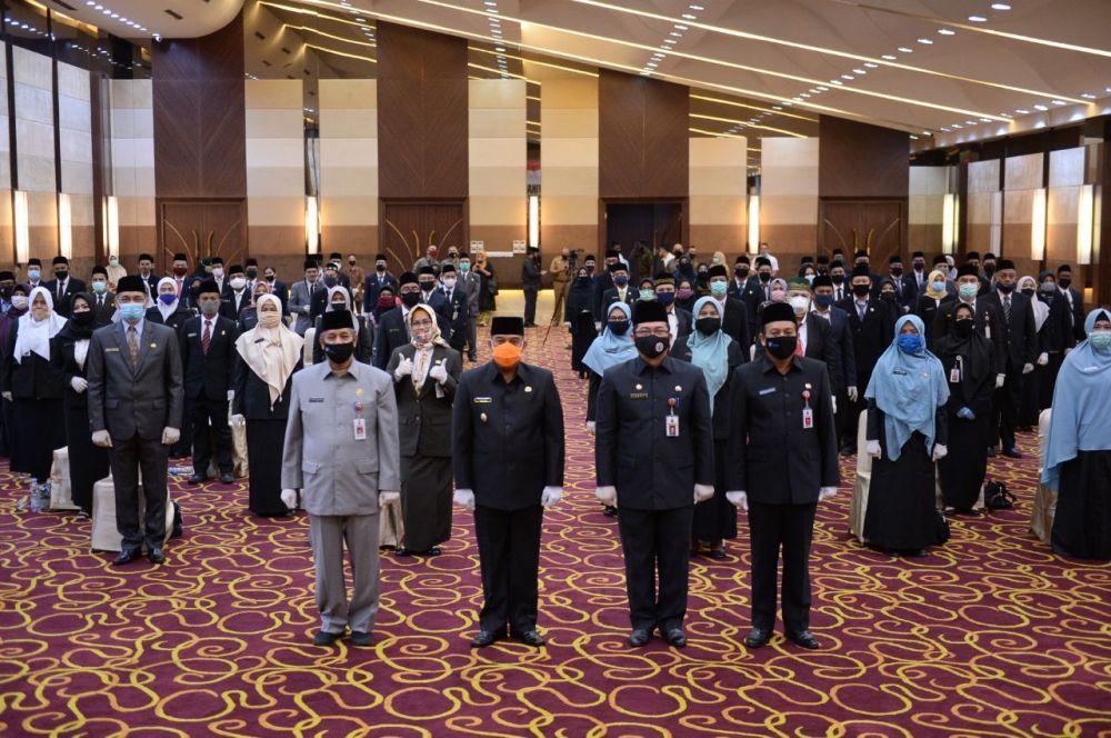 103 Pejabat Fungsional Lingkungan Pemprov Riau Resmi Dilantik
