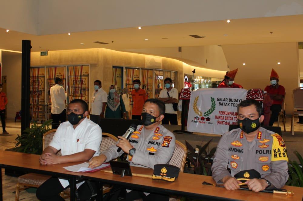 3 Bulan Beraksi, Penjual 1.252 Surat Bebas COVID-19 Palsu Ditangkap Polisi di Bandara SSK II Pekanbaru