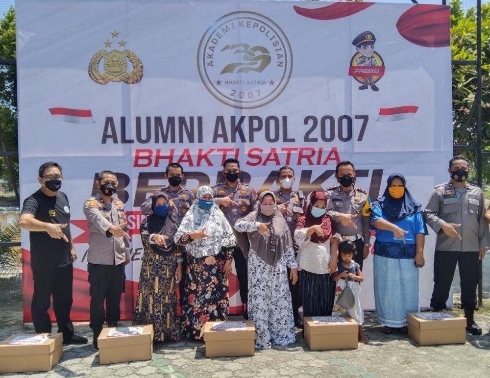 Alumni Akpol 2007 di Riau Salurkan Ratusan Paket Sembako dan Gelar Vaksinasi Untuk Masyarakat