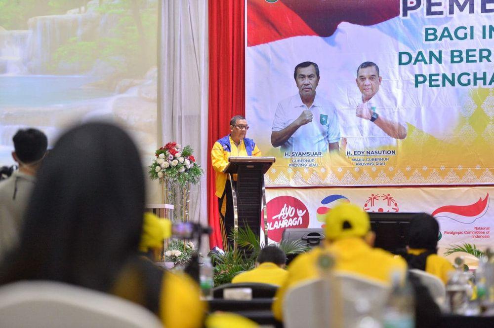 Apresiasi Bagi Insan Olahraga dan Pemuda Berdedikasi Berprestasi, Wagubri Berikan Penghargaan