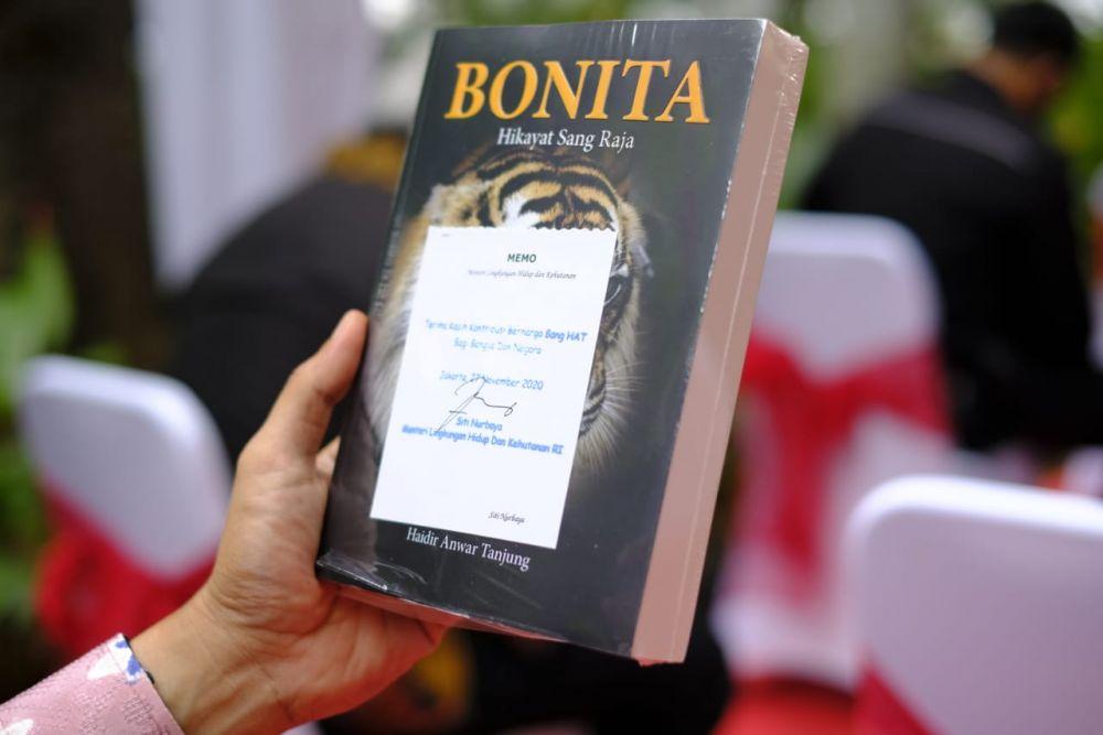 Apresiasi Buku Bonita, Menteri LHK RI: Jurnalisme Lingkungan Itu Sangat Penting