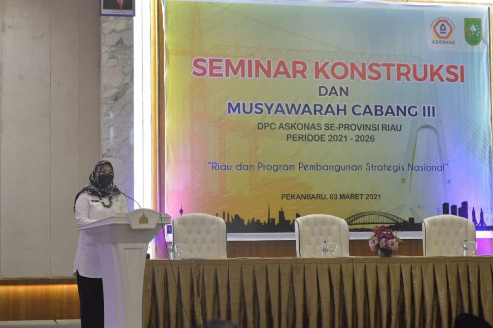 Asisten II Setdaprov Riau Buka Seminar Konstruksi dan Muscab III DPC Askonas se-Riau