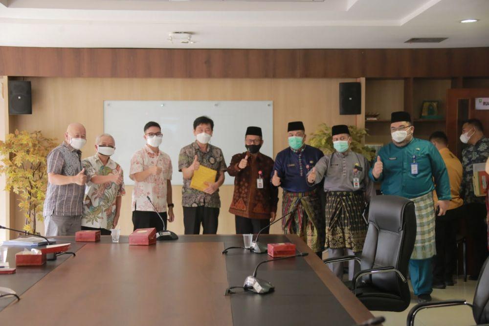 Bahas Bisnis Pengelolaan Limbah Sampah, Pj Sekdaprov Riau Terima Kunjungan Daechan Engineering & Construction