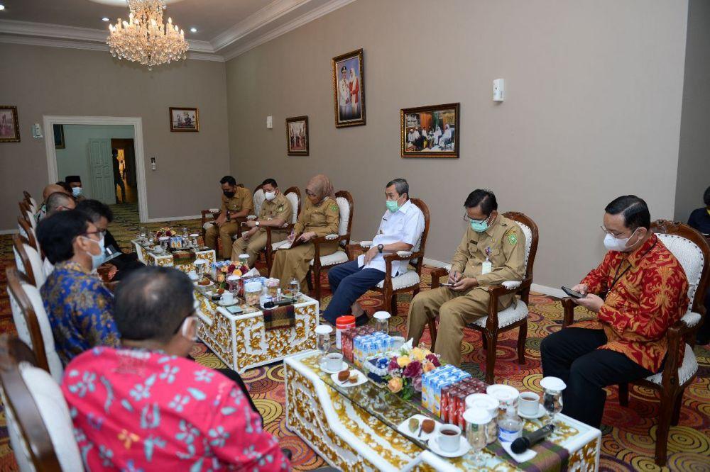 Bahas Festival Ekonomi Syariah Wilayah Sumatera 2021, Gubri Terima Kunjungan BI Wilayah Riau