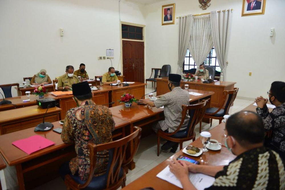 Bahas Kawasan Industri Halal di Riau, Gubri Audiensi Dengan Pengurus MES Riau
