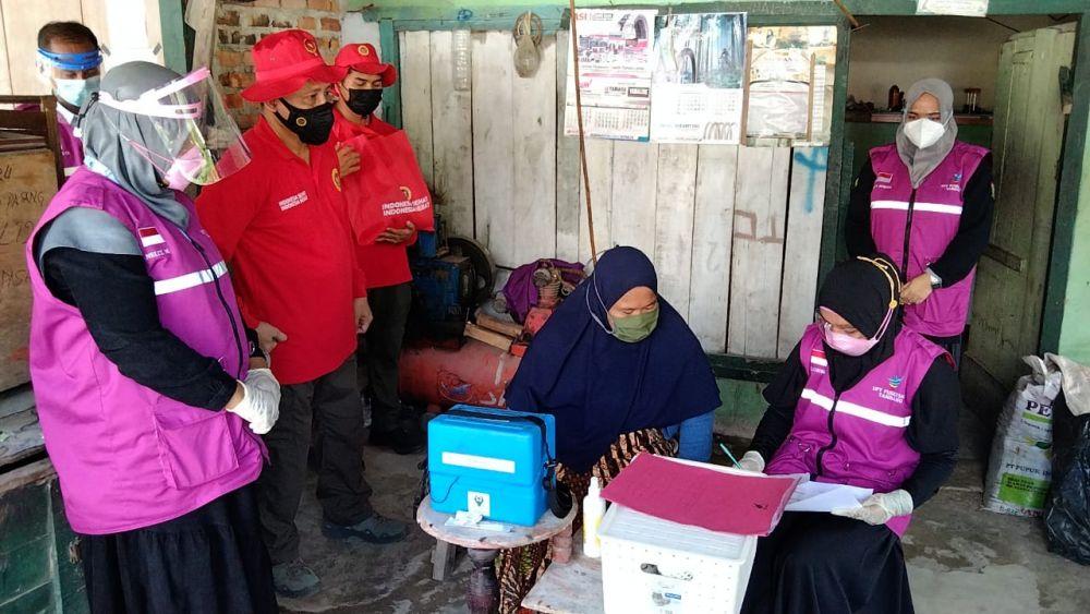 Binda Riau Gelar Vaksinasi Massal Door to door di Desa Aur Sati