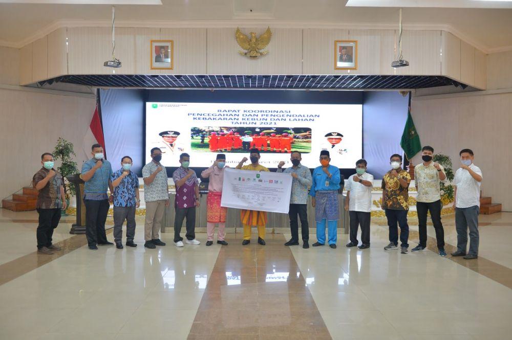 Disbun Riau Kumpulkan Perusahaan Bahas Penanganan Karhutla