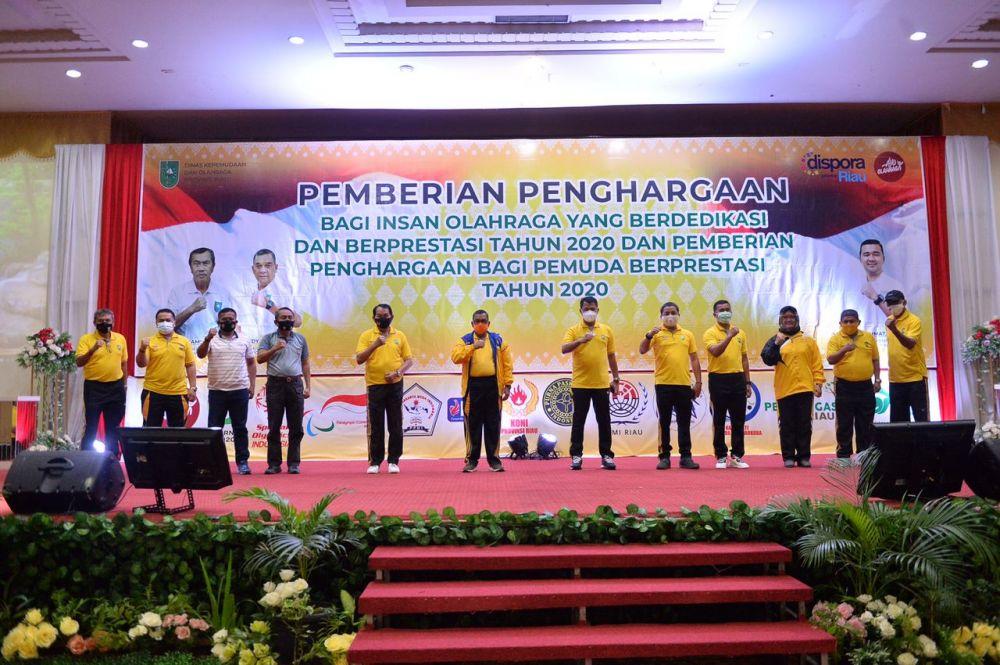 Dispora Riau Gelar Pemberian Penghargaan Bagi Insan Olahraga & Pemuda Berdedikasi Berprestasi