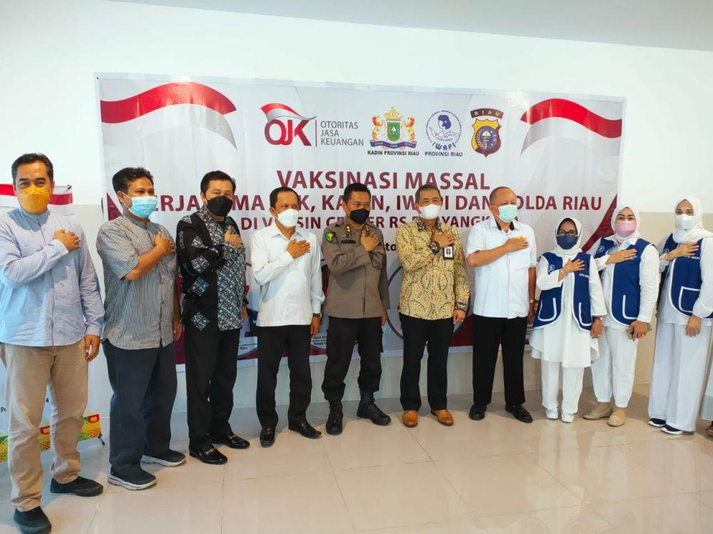 Distribusikan 1.911 Dosis Selama Dua Hari, Iwapi Riau Gelar Vaksinasi Massal
