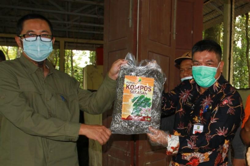 DLHK Riau Olah Sampah Organik Jadi Kompos Bernilai Ekonomis