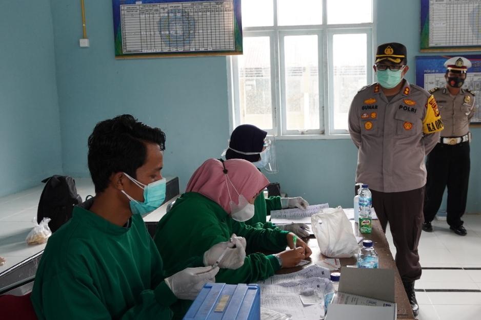 Dorong Percepatan Vaksinasi COVID-19, Kapolres Siak Lakukan Pengawasan