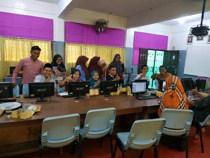 Dosen Prodi EP Umri adakan Pelatihan Statistik di SMK PGRI Pekanbaru