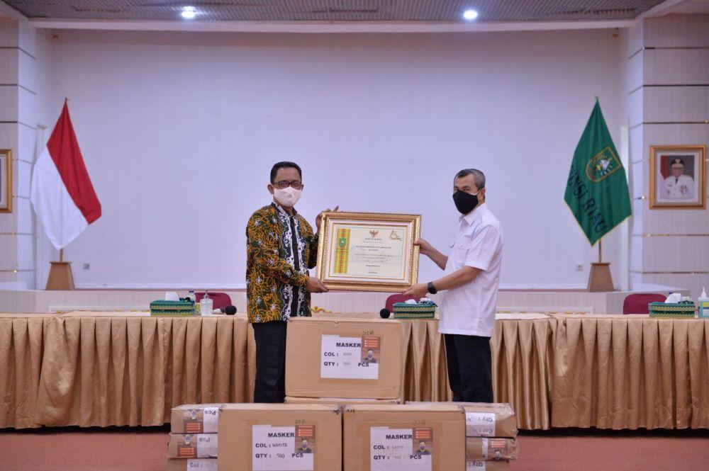 Gubernur Riau Apresiasi Dukungan Perusahaan Turut Membantu Ratusan Ribu Masker