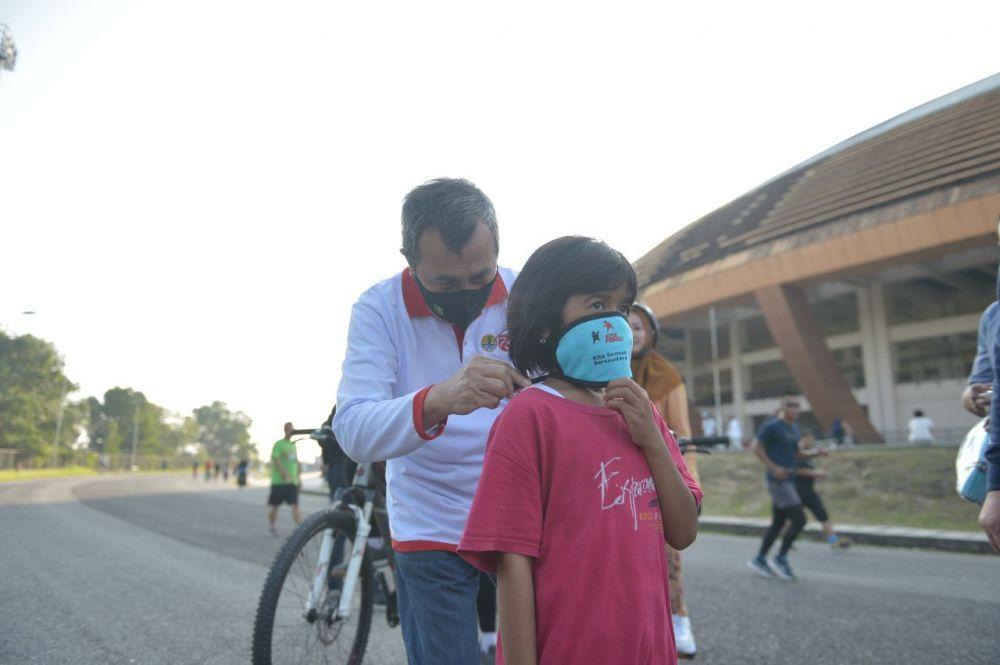 Gubernur Riau Ingatkan Warga yang Berolahraga di Stadion Utama Riau Gunakan Masker
