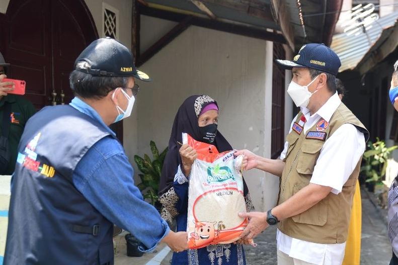 Gubernur Riau Minta Bantuan Beras PPKM Sampai ke Daerah Terpencil