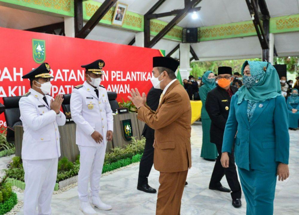 Gubernur Riau Minta Bupati dan Wakil Bupati Pelalawan Rangkul Masyarakat Bangun Daerah