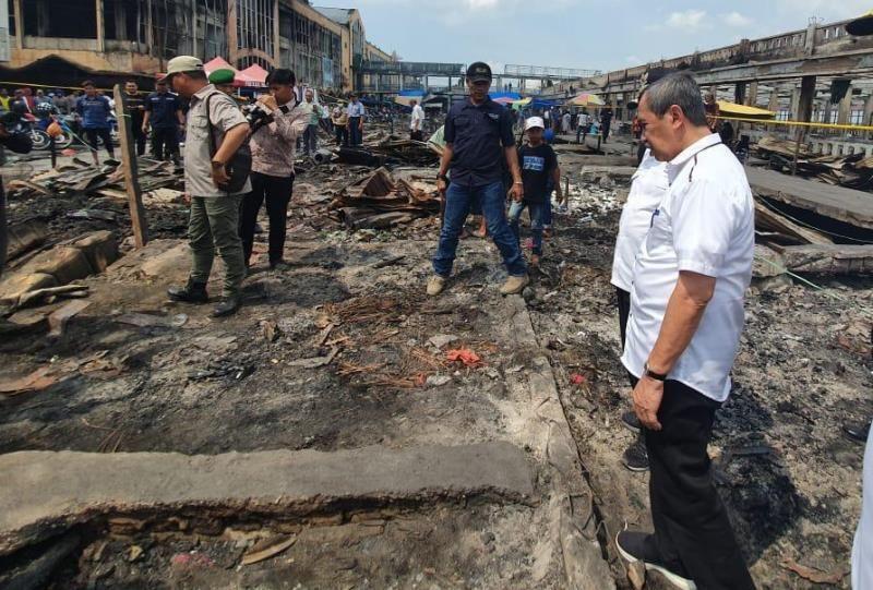 Gubri Berencana Bangun Lapak Sementara untuk Pedagang Tembilahan