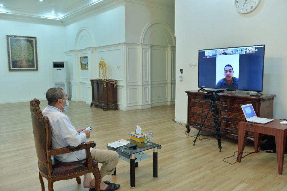 Gubri Buka Pelatihan Penulisan Karya Ilmiah dan Publikasi Internasional Secara Virtual