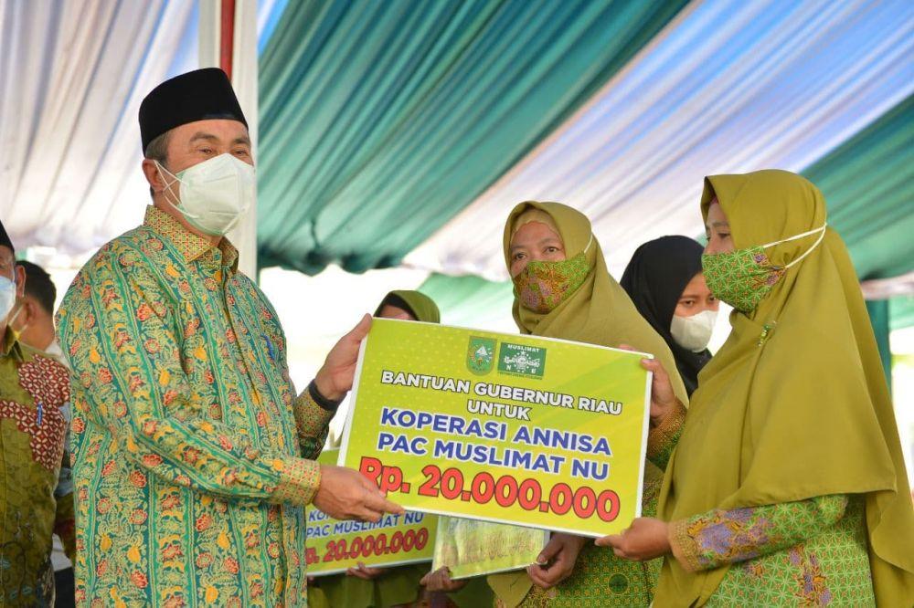 Gubri dan Bupati Pelalawan Serahkan Bantuan Untuk Koperasi Annisa Muslimat NU Pelalawan