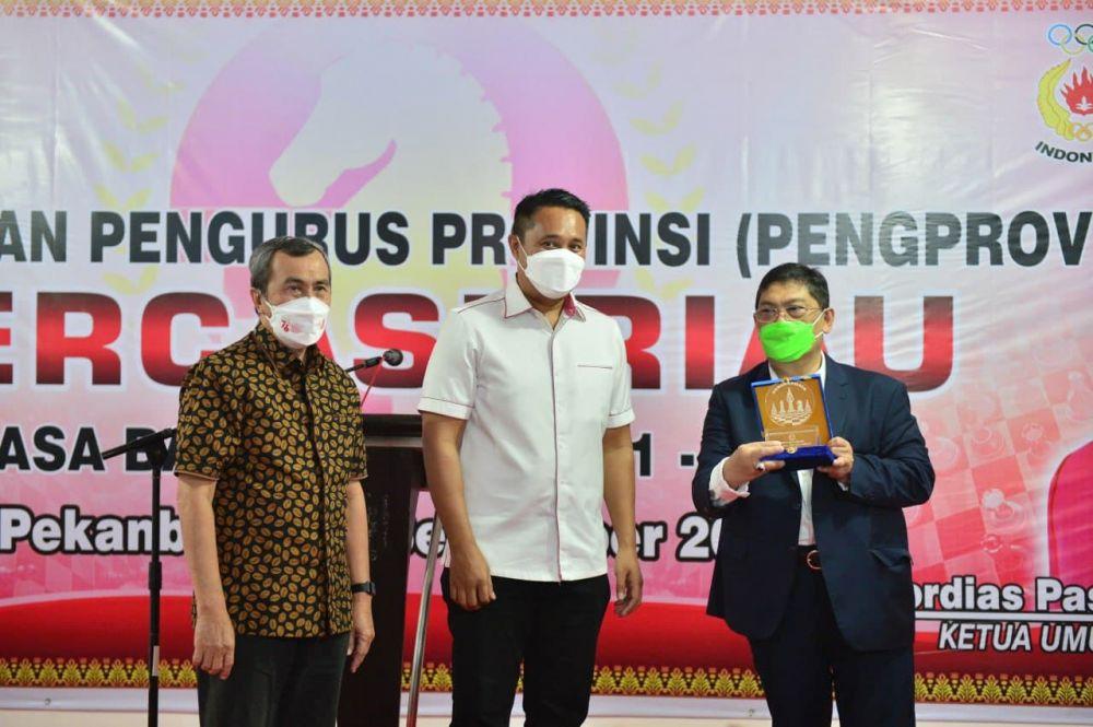 Gubri Hadiri Acara Pelantikan Pengprov Percasi Riau