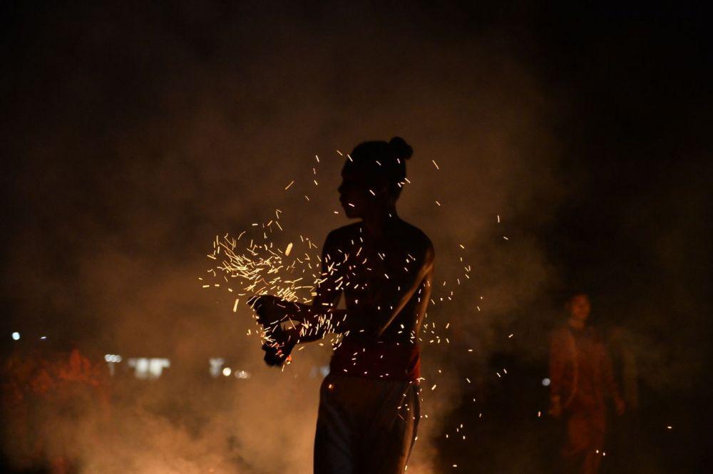 Gubri Saksikan Budaya Tari Zapin Api di Rupat Utara