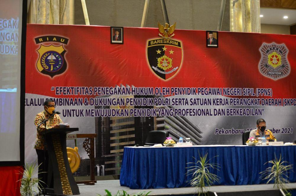 Hadiri Pembinaan Peningkatan Kemampuan PPNS Riau, Wagubri: Optimalisasi Kinerja Perlu Terus Ditingkatkan