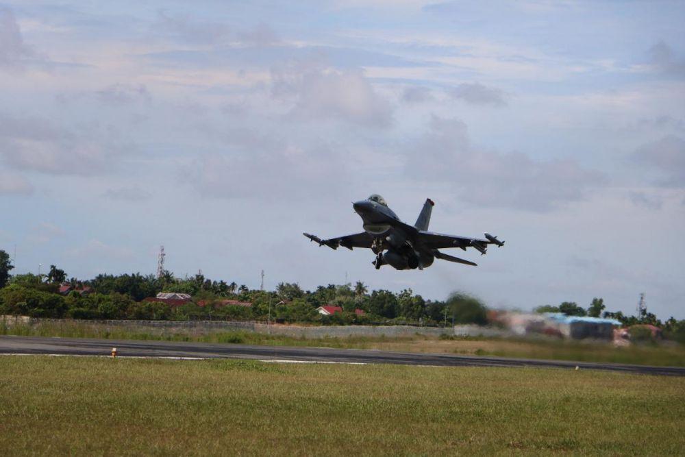 Hari Ketiga, TNI-AU dan Angkatan Udara Amerika Mulai Latihan Manuver Udara