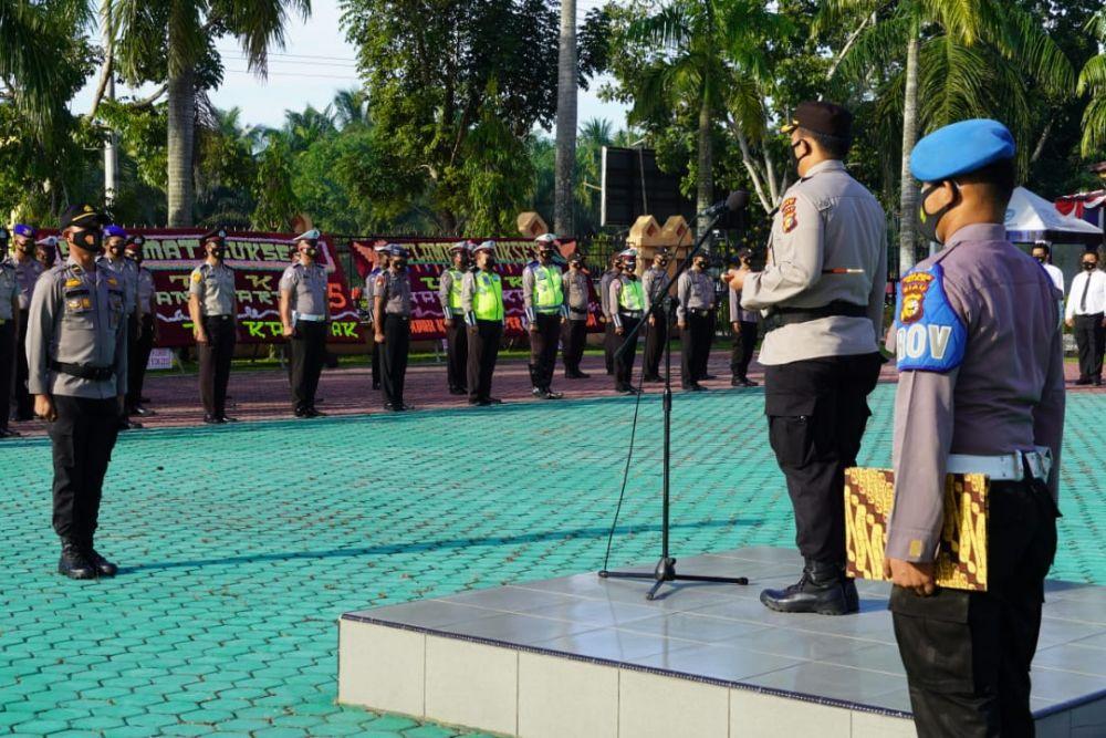 HUT ke 75 Bhayangkara 56 Orang Personel Polres Siak Naik Pangkat
