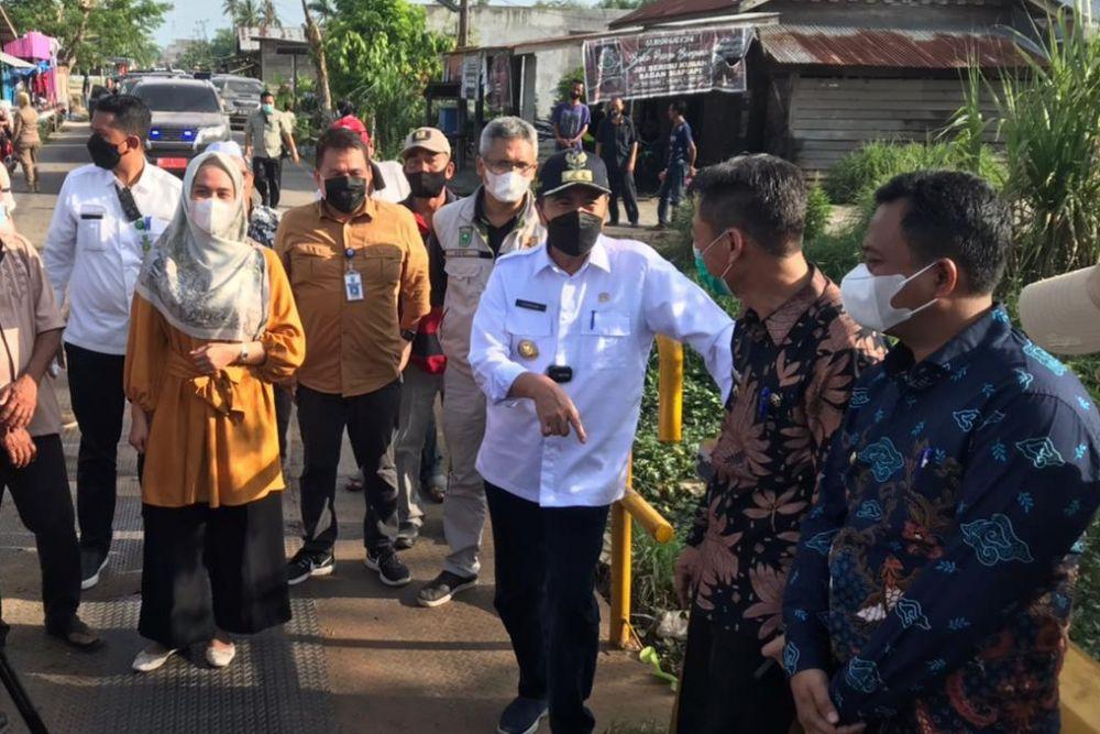 Jembatan Besi di Rohil Rusak, Gubernur Riau Siapkan Anggaran Rp5 Miliar