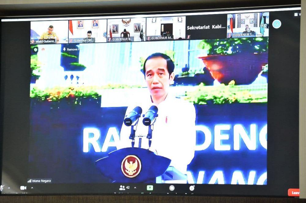 Jokowi Minta Gubernur Kontrol Persiapan Vaksinasi di Daerah