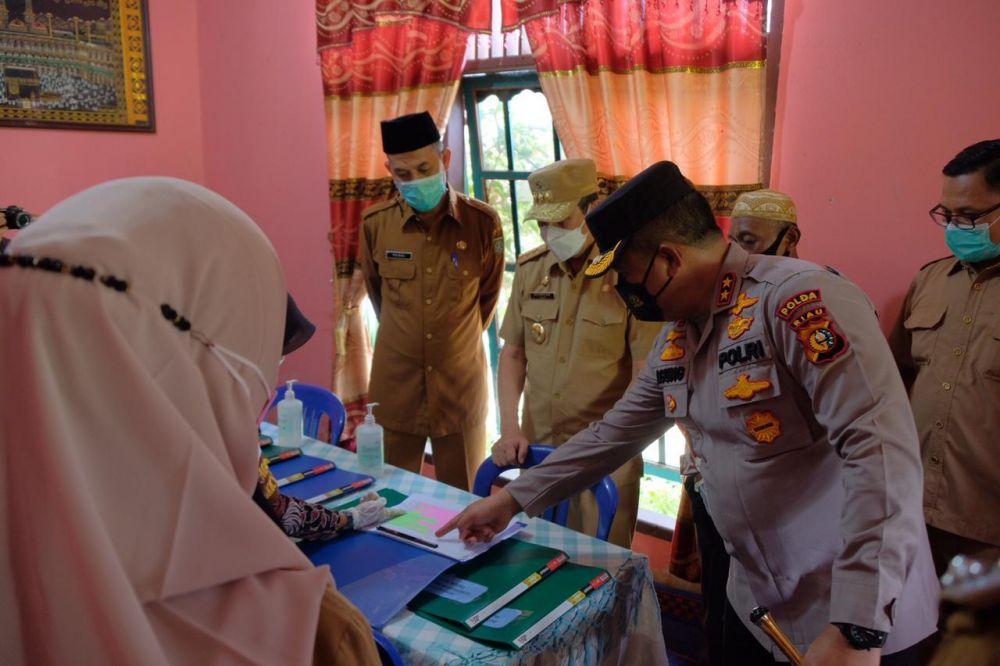 Kapolda dan Gubernur Riau Tinjau Posko PPKM di Dumai