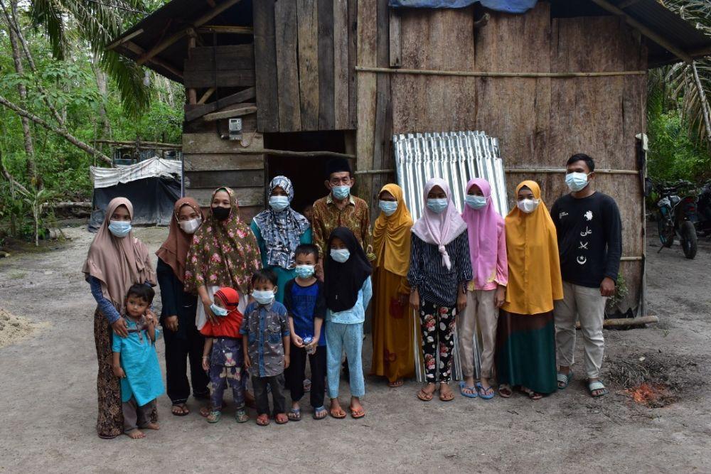 Kapolres Inhu dan KT Bongkal Malang Bedah Rumah Warga Tak Mampu