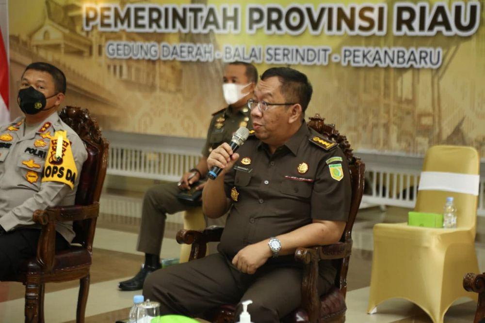 Kejati Riau Harapkan Pemilik Lahan Turut Serta Dalam Penanganan Karhutla