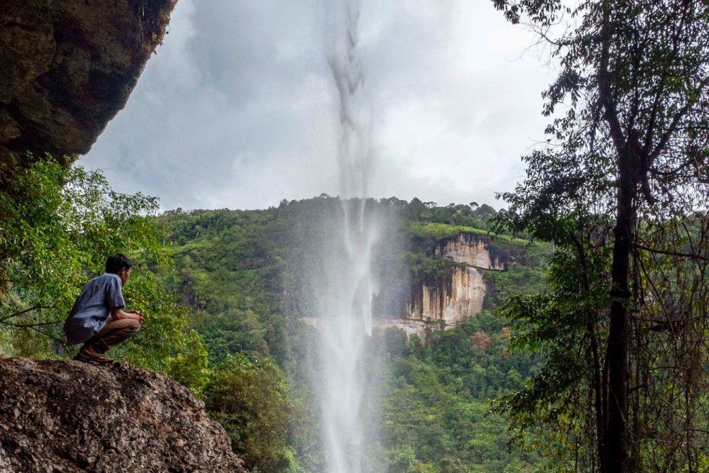 Kembangkan Desa Wisata, Gubri Undang Sandiaga Uno ke Batu Tilam Kampar