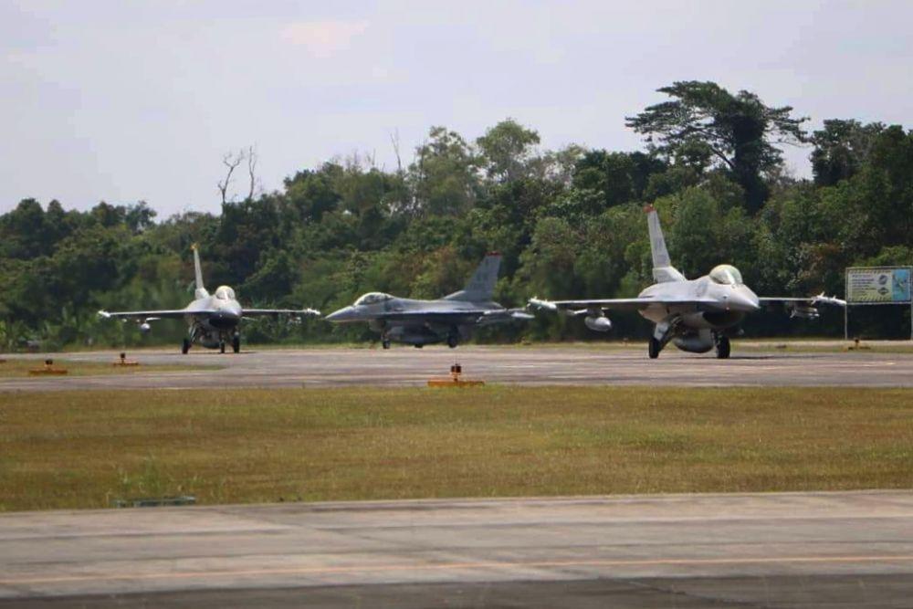 Latihan Manuver F-16 TNI-AU dan Amerika Awali Terbang Pengenalan