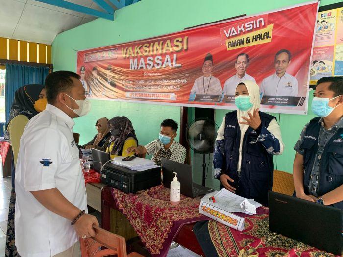 OJK Riau Bersama Kadin Kampar Gelar Vaksinasi Massal