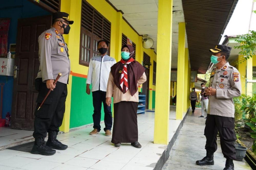 Pastikan Penerapan Prokes, Kapolres Siak Kunjungi Beberapa Sekolah di Kecamatan Siak