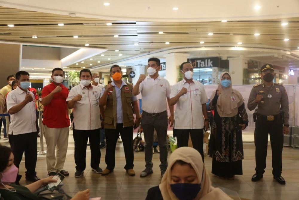 Peduli Aksi Sosial, Asisten I Setdaprov Riau Kunjungi Kegiatan Donor Darah