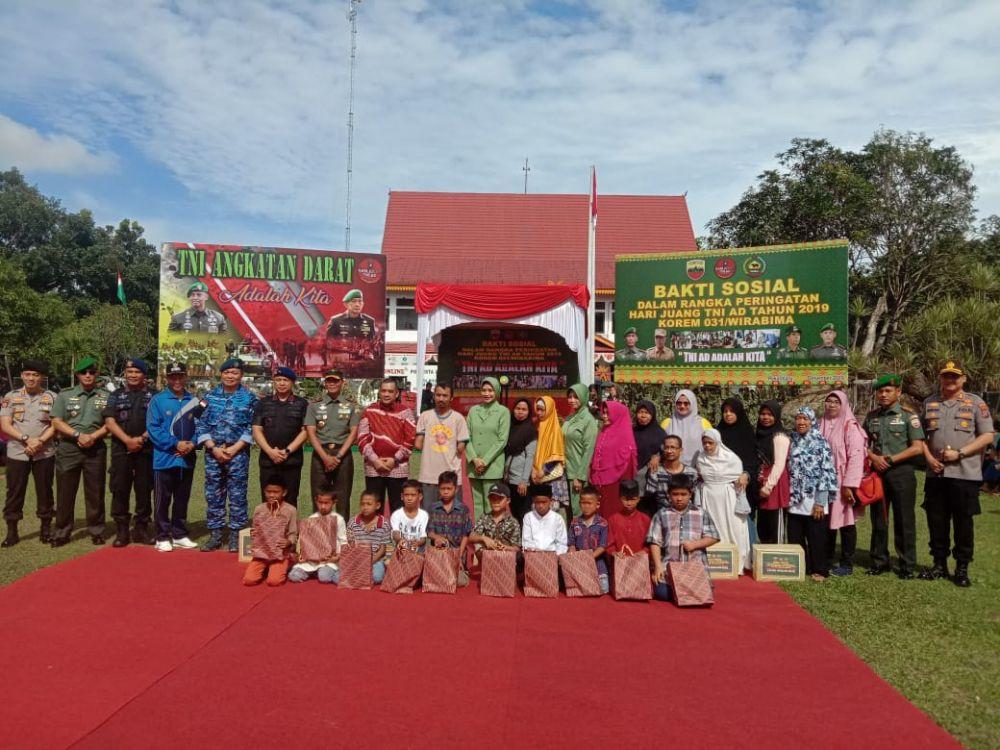 Peringatan Hari Juang TNI AD, Korem 031/WB Gelar Baksos