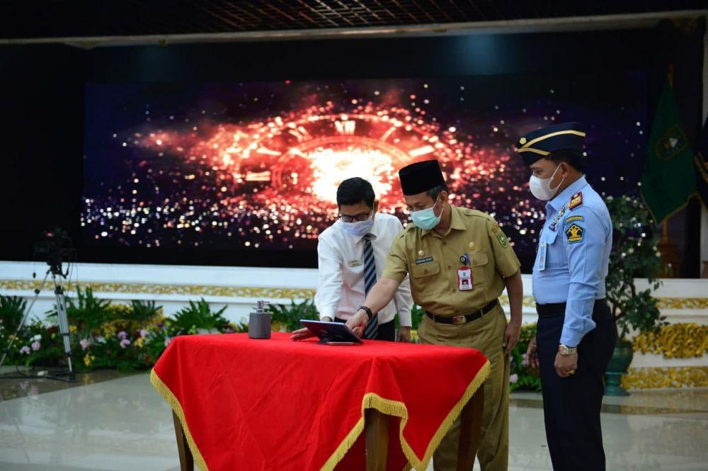 Plh Sekdaprov Riau Hadiri Deklarasi Janji Kinerja dan Komitmen Pembangunan Zona Integritas WBK dan WBBM