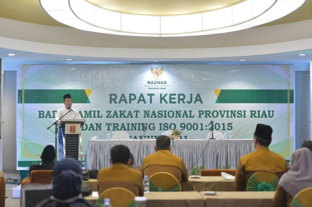 Plh Sekdaprov Riau Membuka Rapat Kerja Baznaz Provinsi Riau