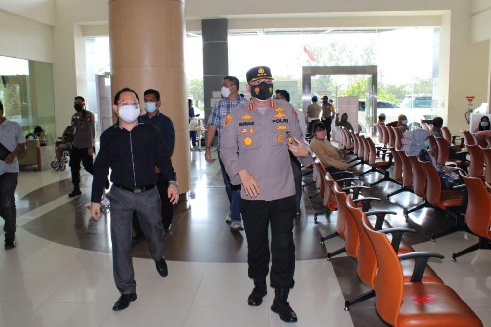 Polisi Patroli Ketersediaan Oksigen dan Tempat Tidur Pasien Covid-19 di Rumah Sakit