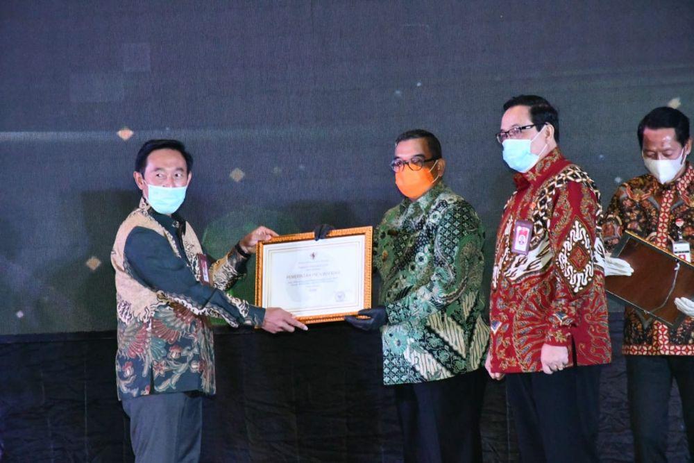 Riau Terima Anugerah Meritoktasi
