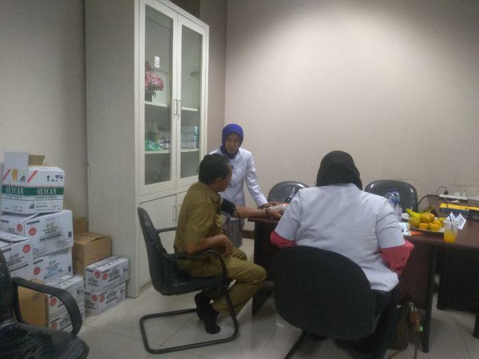 https://mediacenter.riau.go.id/foto_berita/medium/rumah-singgah-dinas-pupr-telah-dikunjungi-112-warga.jpg