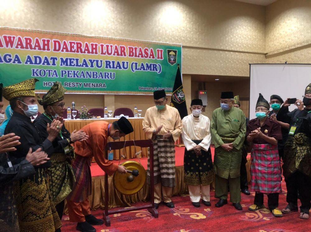 Secara Aklamasi, OK Tabrani dan Maspidaunan Terpilih Pimpin LAMR Pekanbaru