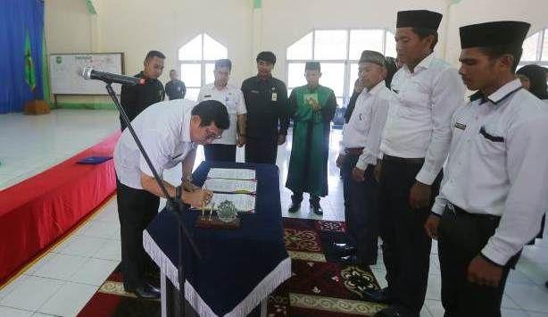 Image result for sekda meranti melantik BPD Kec Rangsang Barat
