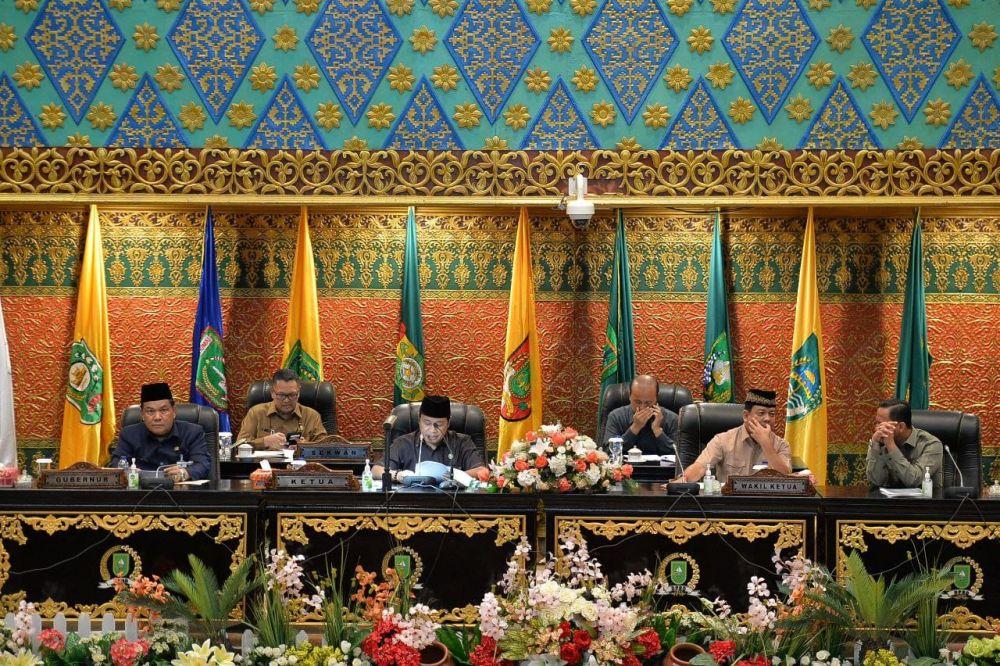 Sekdaprov Riau Hadiri Rapat Paripurna DPRD Provinsi Riau