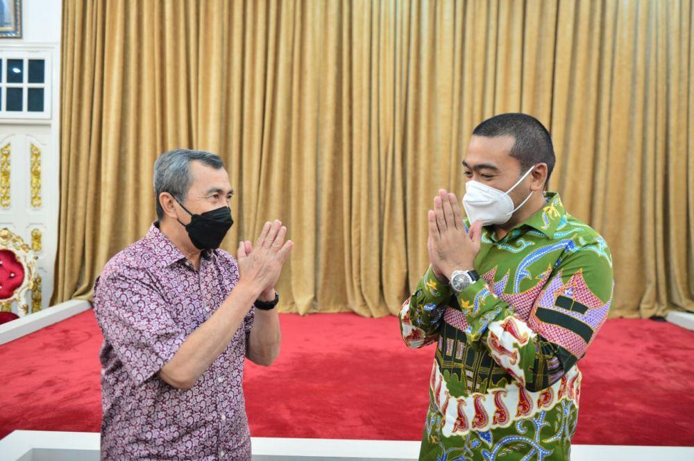 Terima Bantuan Oksigen Liquid dari Riau, Wagub Sumbar Apresiasi Pemprov Riau
