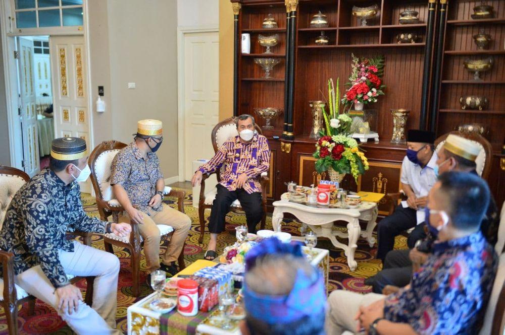 Terima Silaturahmi IPPS Provinsi Riau, Gubri Ajak Sosialisasikan Gerakan Wakaf di Daerah