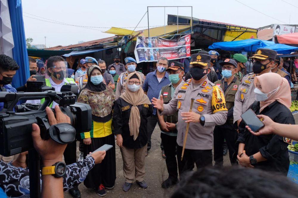 Tinjau Pasar Cik Puan, Kapolda Riau Minta Semua Pihak Bangun Bersama Gerakkan Ekonomi